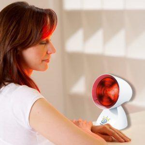 Eine Rotlichtlampe kann vielseitig eingesetzt werden.