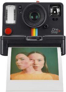 Digitale Sofortbildkameras sind dem heutigen technologischen Standards sehr gut angepasst. Bilder lassen sich speichern, auf den PC übertragen und mehrfach ausdrucken.