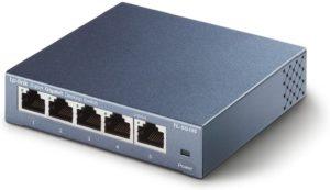 n einem solchen Serverraum werden spezielle Netzwerk Switches eingesetzt, um die Stabilität der Verbindungen zu garantieren.