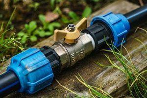 Gute Handwerker für Wasserleitung verlegen