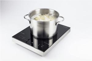 Mit Induktion können Töpfe ultraschnell erhitzt werden. Hierzu wird spezielles Geschirr benötigt.