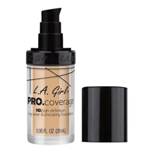 Puder Make Up dient im Gesicht vor allem als Grundierung und nimmt überschüssigen Talg auf und mattiert glänzende Hautpartien. Optimal kaschiert das Puder kleine Ungleichmässigkeiten und verfeinert ihren Teint.