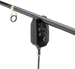 Ein Knicklicht kann als einfacher Bissanzeiger dienen. Einfach an die Schnur gehängt, zeigt es durch Bewegung an, wenn diese abgerollt wird.