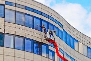 Technische Geräte für Bauendreinigung einsätzen