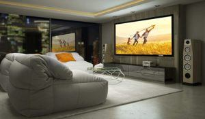 Mithilfe eines Beamers und einer Leinwand lässt sich auch in den eigenen vier Wänden ein echtes Kinoerlebnis erzeugen.
