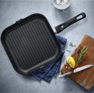 Eine Grillpfanne eignet sich zur schonenden und fettarmen Zubereitung von Fleisch aber auch anderen Lebensmitteln.
