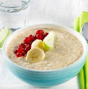 Neben Haferflocken können viele weitere Getreidesorten aufgekocht und zu Mahlzeiten verarbeitet werden. Reisflocken eignen sich insbesondere für Menschen mit einer Glutenunverträglichkeit.