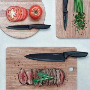 Messer mit Stahlklingen lassen sich schnell und einfach mit einem Wetzstahl nachschleifen. Daher sind sie mit die beliebtesten Messer in den heimischen Küchen.