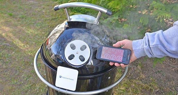 GARWERK Smokey Sam Junior im Test - der heiße Rauch, der das Grillgut umströmt, erzeugt den typischen Räuchergeschmack