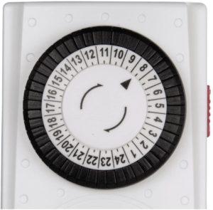 Mit einer Zeitschaltuhr kann nicht nur der Stromverbrauch verringert, sondern auch besser geplant werden. (Bildquelle: Neven Krcmarek / Unsplash)