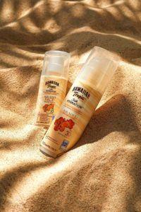 Nach dem Baden und abtrocknen ist auch von wasserfester Sonnencreme nicht mehr genug übrig, um einen ausreichenden Schutz vor der Sonne gewährleisten zu können. Wird der Sonnenschutz dann nicht erneut aufgetragen, kommt es zu Sonnenbrand.