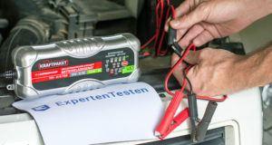 Welche Arten von Batterieladegerät gibt es in einem Test und Vergleich?