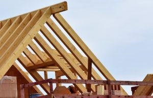 Günstiger Handwerker für Dachstuhl bauen