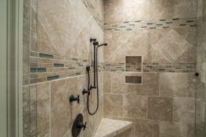 Guter Kostenvoranschlag für Duschkabine erneuern