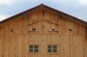 Vorteile von Fassade mit Holz verkleiden im Vergleich