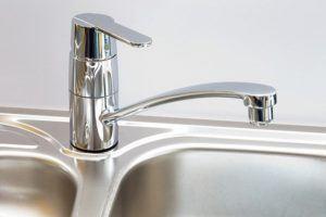 Vergleich: Wasserhahn austauschen Kosten