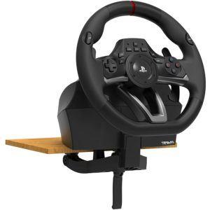Je nach Modell bieten manche Hersteller die Möglichkeit das Lenkrad an verschiedene Konsolen anschließen zu können.
