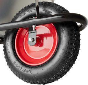 Schubkarren sind vielfältig einsetzbar und eignen sich für den Transport unterschiedlichster Materialien.