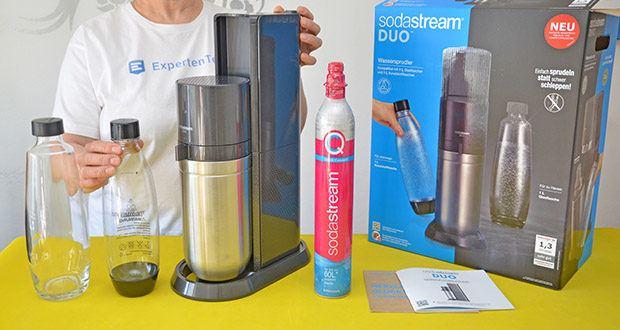 SodaStream Wassersprudler DUO im Test - Lieferumfang: 1x SodaStream DUO Wassersprudler (Farbe: Titan), 1x SodaStream Quick-Connect CO2-Zylinder, 2x 1L spülmaschinenfeste Glasflasche, 2x spülmaschinenfeste KSTF-Flasche