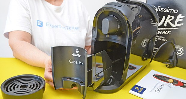 Tchibo Kapselmaschine Cafissimo Pure im Test - abnehmbare Tassenabstellfläche; integrierter Kapselauffangbehälter für bis zu 6 Kapseln