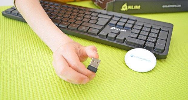 KLIM Light V2 Gaming Tastatur im Test - die Bedienung ist sehr einfach - Du brauchst nur den USB-Empfänger einstecken