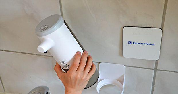 Farsaw Automatischer Seifenspender im Test - es wird eine praktische Wandhalterung mitgeliefert, die auf einem Tisch platziert oder an der Wand montiert werden kann