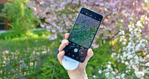 Xiaomi Smartphone Poco X3 Pro im Test - Funktionen der Rückfahrkamera: Nachtmodus (unterstützt Ultraweitwinkel), Dual-Video; Funktionen der Frontkamera: Nachtmodus, Dual-Video