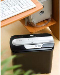 Sensible Dokumenten mit einerm Papierschredder sicher entsoregen