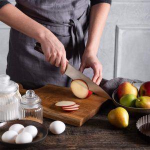 Nach dem Schneiden von Zitronen sollte das Messer gewaschen und gepflegt werden.