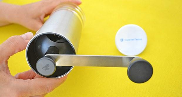 Tchibo Handmühle im Test - das widerstandsfähige Keramikmahlwerk ermöglicht verschiedene Mahlgradeinstellungen und bietet so intensiven Kaffeegenuss nach Wunsch