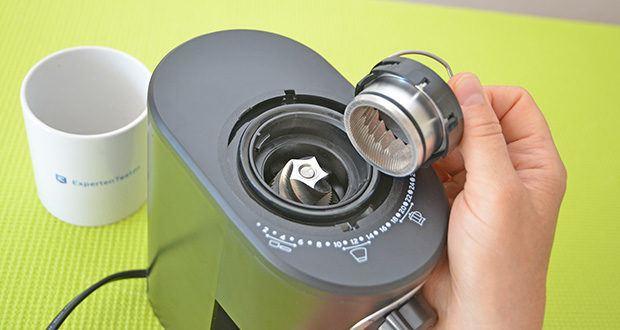 Tchibo Elektrische Kaffeemühle Einsteigermodell im Test - Edelstahl-Kegelmahlwerk mit abnehmbarem Trichter zur besseren Reinigung
