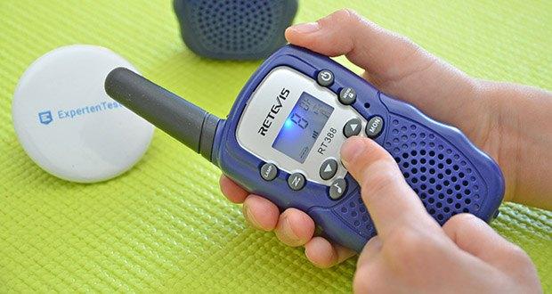 Retevis RT388 Walkie Talkie im Test - die VOX Funktion ermöglicht Kinder direkt zu sprechen ohne die PTT Taste drücken