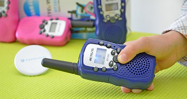 Retevis RT388 Walkie Talkie im Test - die Tastensperre funktioniert für Kinder beim Spielen an einem gleichen Kanal zu bleiben