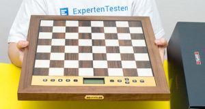 Nach diesen Testkriterien werden Schachcomputer bei ExpertenTesten verglichen