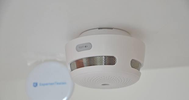 X-Sense Mini Funkvernetzbarer Rauchmelder 3-Pack im Test - führt alle 10 Sekunden 3 separate Rauchkonzentrationsanalysen durch, um Störungen durch Wind, Staub und ungefährlichen Rauch zu vermeiden