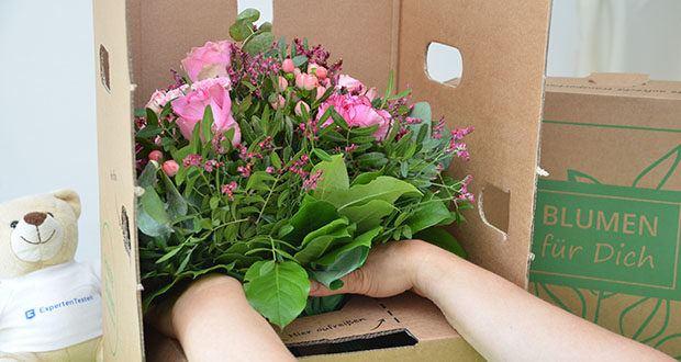 Blume2000 Blumenstrauß Schön, dass es Dich gibt im Test - mit ca. 25 cm Durchmesser setzt er sich überall gekonnt in Szene