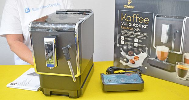 Tchibo Kaffeevollautomat Esperto Latte im Test - Gehäusematerial: Edelstahl und Kunststoff; Farbe: Anthrazit