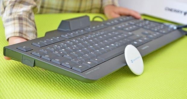 CHERRY KC1000 SC USB Security Tastatur im Test - vereint die Vorteile einer klassischen CHERRY Office-Tastatur mit den sicherheitstechnischen Anforderungen an ein Security-Keyboard