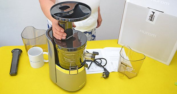 Hurom Slow Juicer S13 im Test - praktischer doppelter Einlass für alle Zutaten