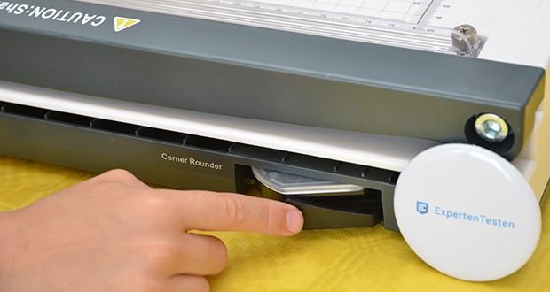 Peach PBP420 Laminiergerät A3 im Test - Eckenrunder ist platzsparend im Geräteboden fixiert