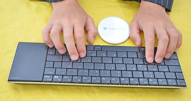 Rapoo E2710 kabellose Tastatur im Test - integriertes kratzfestes Touchpad