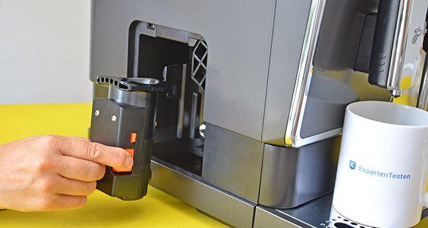 Tchibo Kaffeevollautomat Esperto Latte im Test - Brüheinheit: seitlich entnehmbar