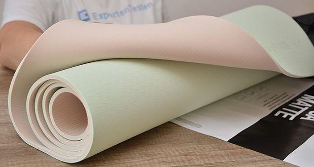 EliteAthlete Yogamatte im Test - die rutschfeste Textur der Yogamatte bietet einen hervorragenden Halt