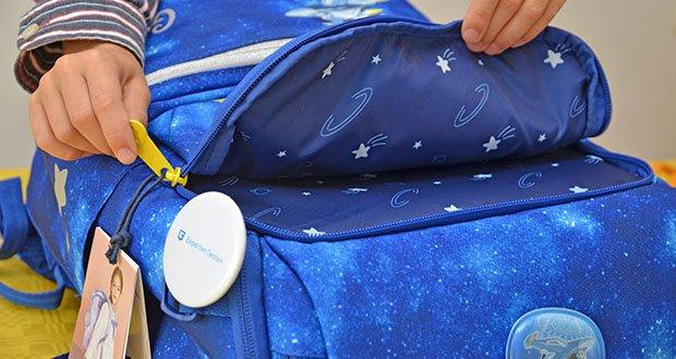 GMT Kids Cubo Space Agent Schulranzen im Test - das Material schützt vor Staub, Wasser und Fett