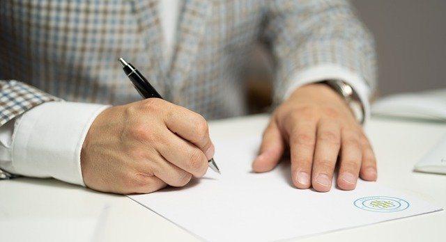 Den richtigen Maklervertrag aussuchen